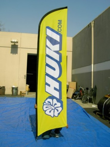 Advertising Feather And Banner Flags To Promote Sales and Brands
