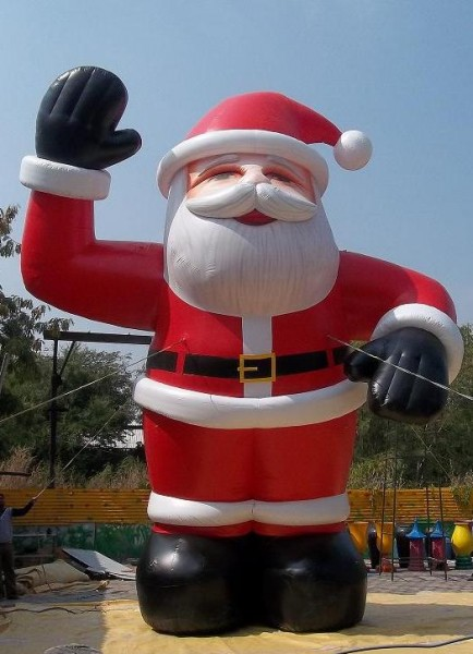 20Ft Santa Christmas Inflatables for Unique Holiday Advertising